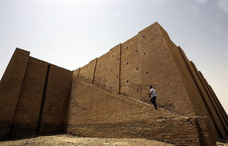 Iraqi province Dhi Qar added new projects to support its cultural heritage