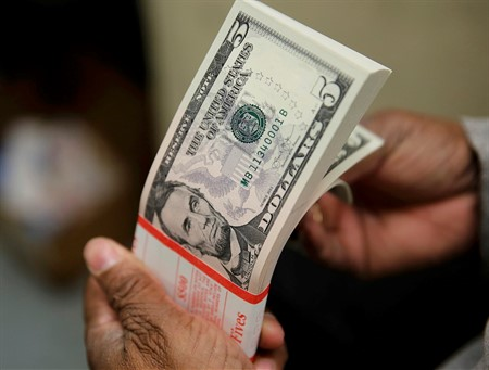 US Dollar to Iraqi Dinar exchange rate falls on 23rd May